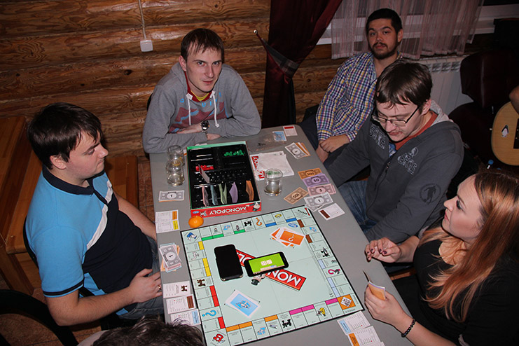 Игра в Монополию